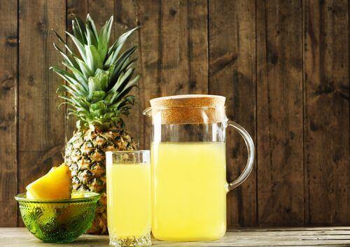 Gefermenteerde Drank Gemaakt Van De Schil Van Ananas