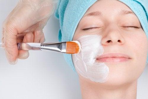 Knoflookmasker om je huid te ontgiften en verjongen