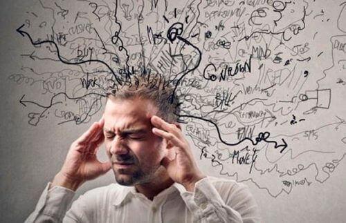 Het herkauwen van gedachten genereert angst