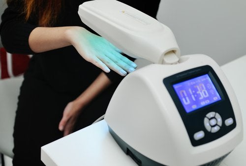 Hoe kun je psoriasis behandelen met fototherapie