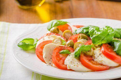 Tomaten, knoflook en mozzarella