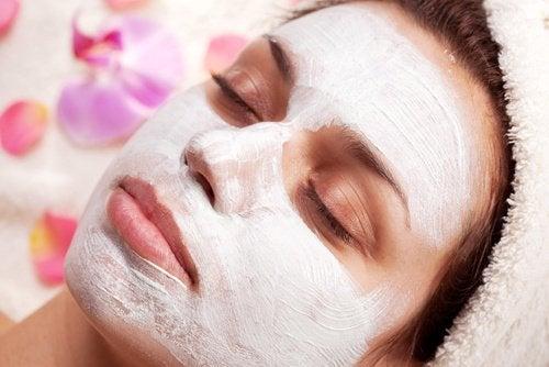 Exfoliërende producten voor je huid met yoghurt