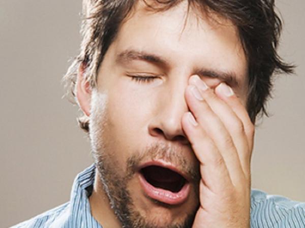 Hoe worden de stadia van slaap opgesplitst?
