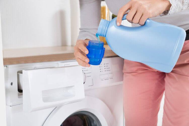 Wasmiddelen en commerciële wasverzachters