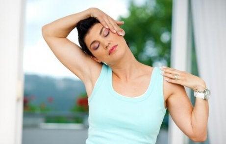 Rekoefeningen om je nekspieren soepel te maken