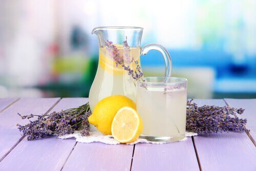 Etherische lavendelolie met citroen