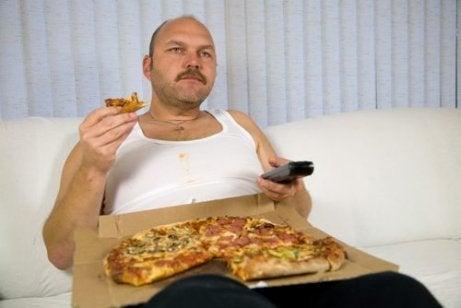 Een slecht eetpatroon is een van de gevolgen van slecht slapen