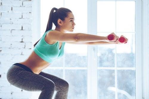 Stevige bilspieren door squats