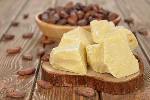 Een heerlijke hydraterende crème van cacaoboter en vitamine E