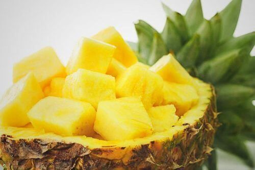 Ananas bevat melanine