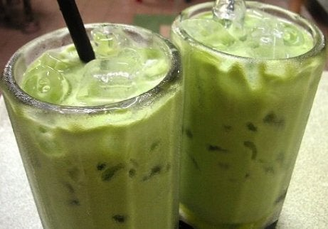 Cholesterolverlagende avocadosmoothies met limoen