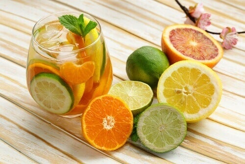 Water met citrusfruit