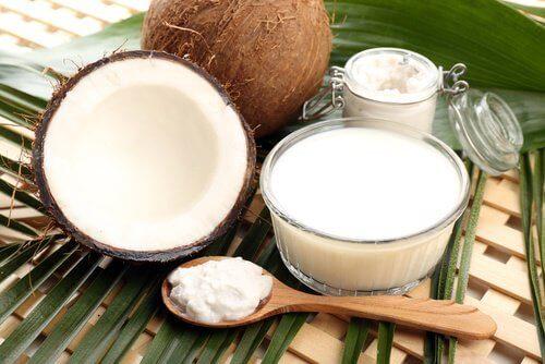 Crème van kokosmelk en zetmeel