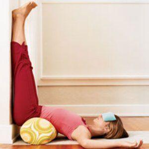 Oefening met de benen omhoog