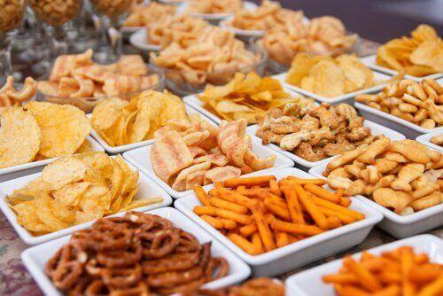 Opgeblazenheid voorkomen door gefrituurd voedsel te vermijden
