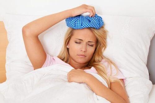 IJs is een van de thuisremedies voor hoofdpijn