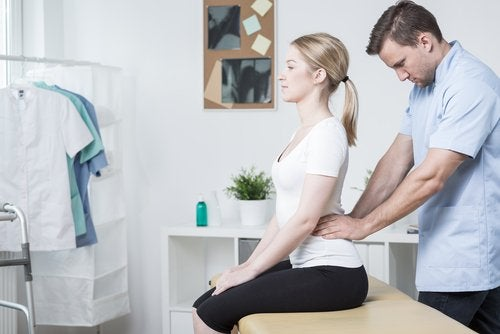 Massage voor het verlichten van lage rugpijn