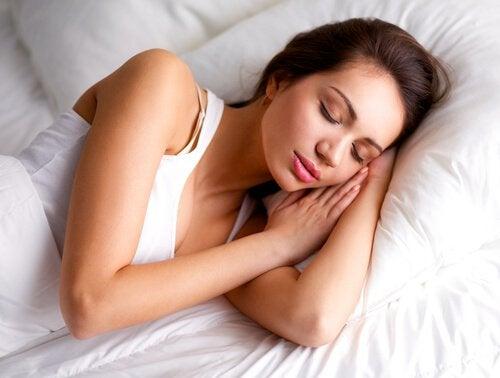 Rust is een van de thuisremedies voor hoofdpijn