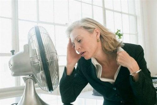 Wat veroorzaakt een vroegtijdige menopauze?