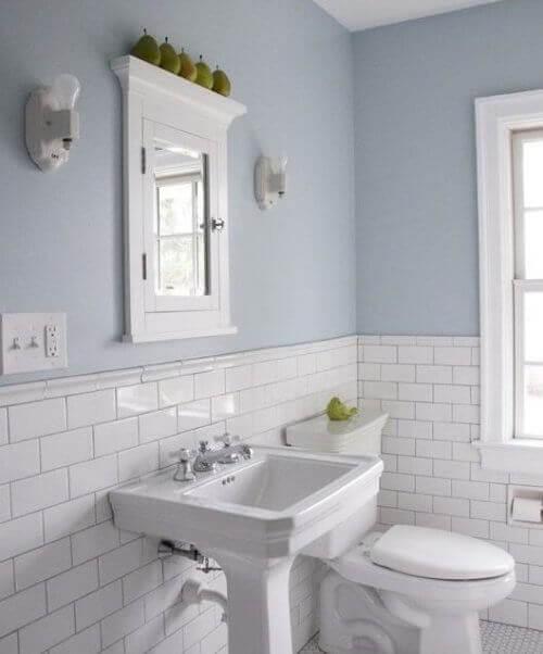 Gekleurde muren voor het decoreren van je badkamer