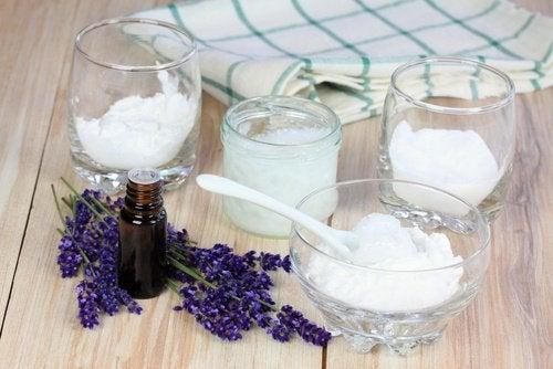 Lavendel en zuiveringszout