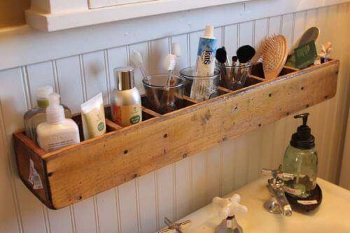 Hangende organizer voor in de badkamer