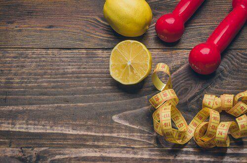 Citroen gebruiken om gewichtsverlies te bevorderen