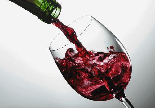 Rode wijn kan de uitstraling van je gezicht veranderen