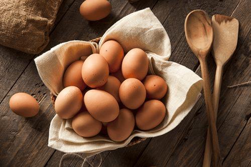 Bonnen van gezonde vetten eieren