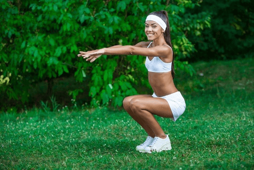 Buikspieroefeningen vervangen door squats