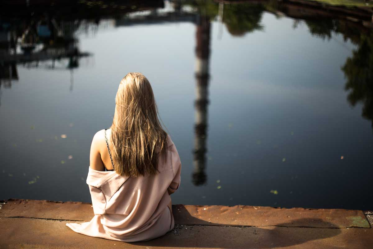 Eenzaamheid accepteren door naar je lichaam te luisteren