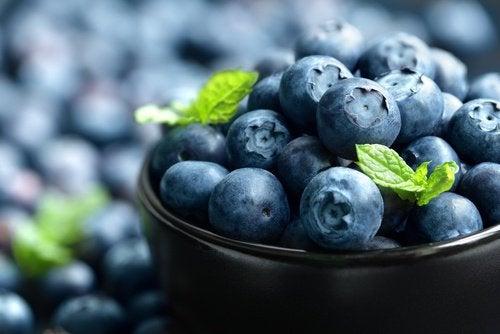 Blauwe bessen zijn een van die ontstekingsremmende voedingsmiddelen