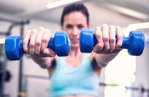 Oefeningen voor strakke en stevige borsten