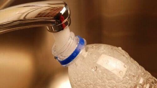 Hervullen van plastic fles