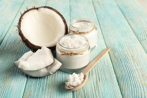 Tandplak verminderen met kokosolie