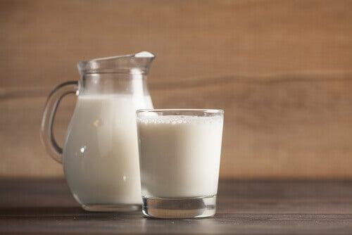 Melk als huismiddeltjes tegen slapeloosheid