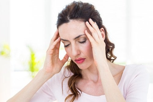 Te weinig water drinken kan leiden tot migraine