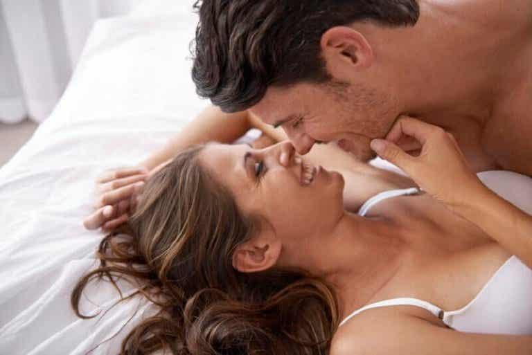Hoe stimuleer je de tepels van een vrouw?