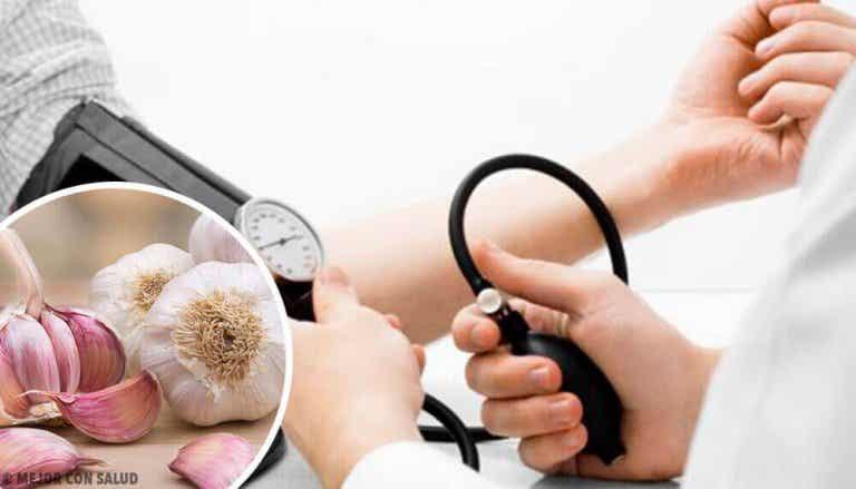 Een hoge bloeddruk behandelen met vier natuurlijke remedies