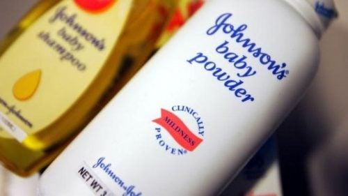 Talkpoeder kankerverwekkend: Johnson & Johnson moet 417 miljoen dollar betalen