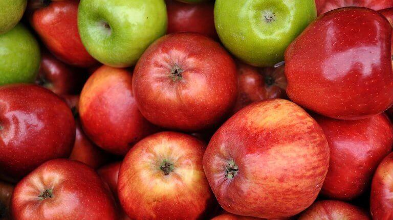 Maskers om wallen te verwijderen met appel