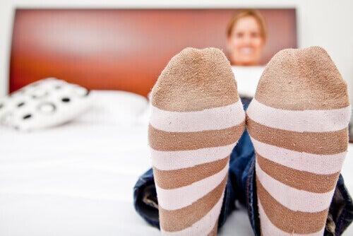 Speciale sokken om slechte bloedcirculatie in de benen te voorkomen