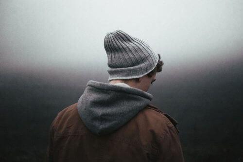 Depressieve jongen die zijn hersenchemie in balans moet brengen