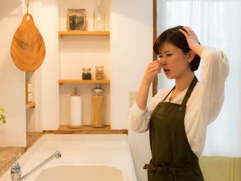 Trucjes om nare geuren uit de keuken te verwijderen