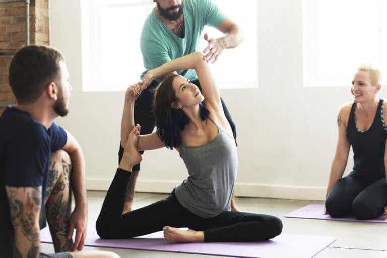 Afslanken met yoga: welke yogahoudingen kunnen je helpen?