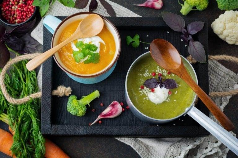 5 heerlijke ontgiftende soepen om je lichaam te reinigen