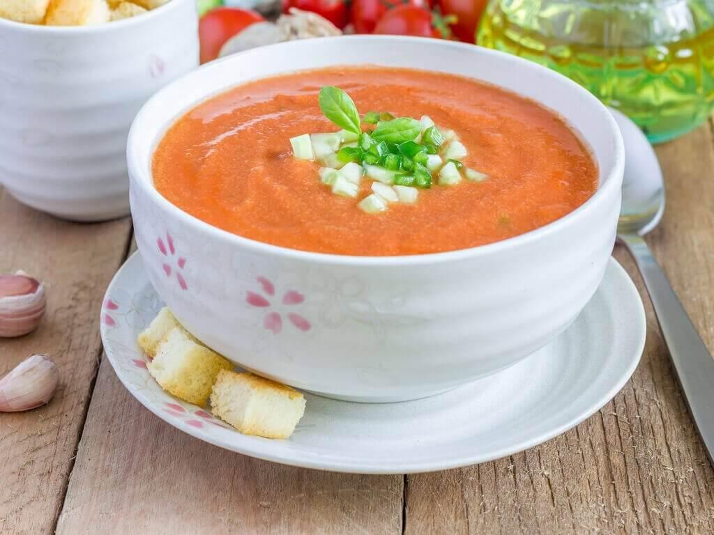 Heerlijke ontgiftende soepen: gazpacho