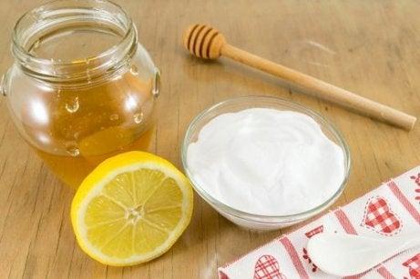 Recept voor zuiveringszout met honing