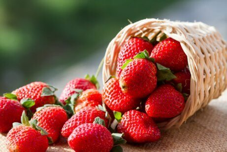 Fruitsoorten zoals aardbeien zijn echte vetverbranders