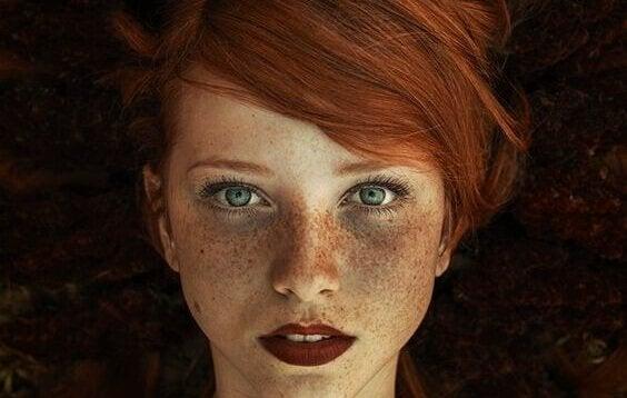 Roodharige vrouw